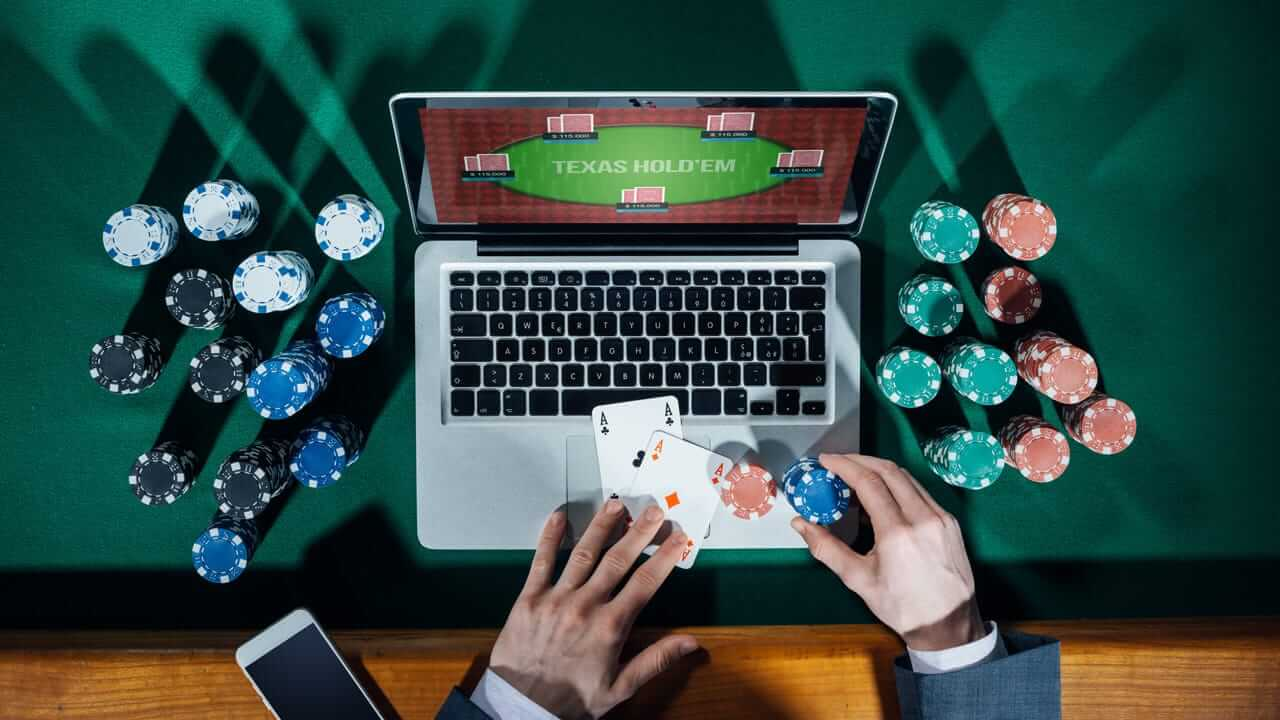 Feel safe and secured with the deposit and withdrawal options offered in the online casinos.
