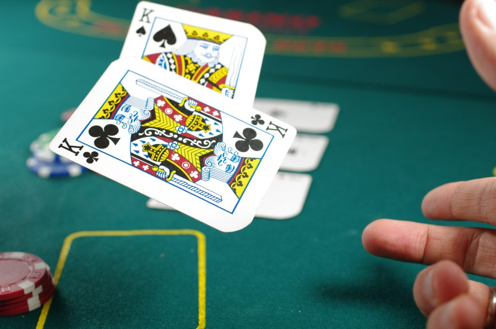 online poker deals