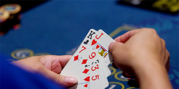 Increase your winnings in the poker game
